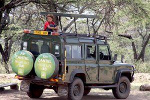 Volunteer and intern in Tanzania Africa. Vapaaehtoistyö ja työharjoittelu ulkomailla Tansaniassa Afrikassa